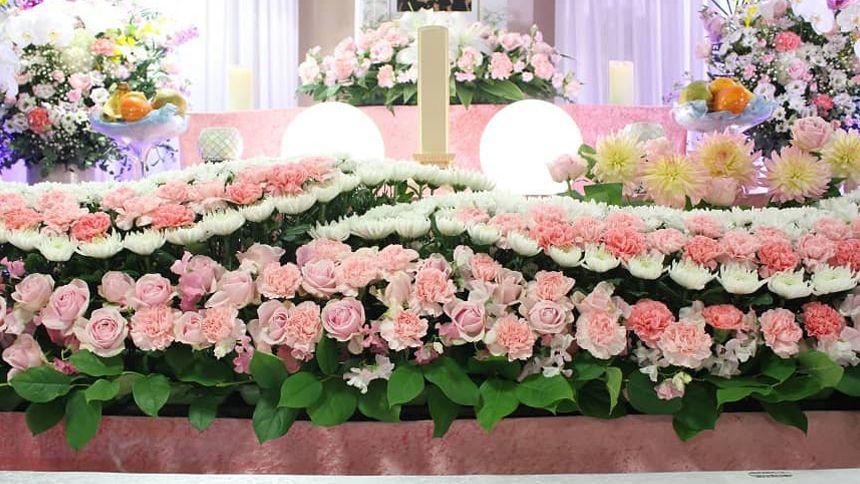 供花(くげ)の意味や種類~贈るときのマナーも紹介~