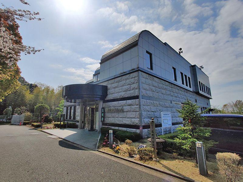 横浜聖地霊園 会館入口