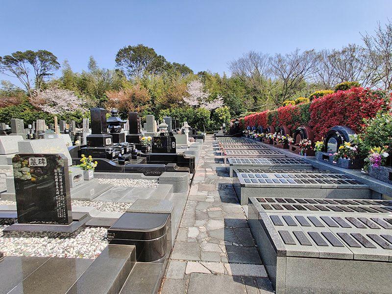 横浜聖地霊園 緑溢れる墓域