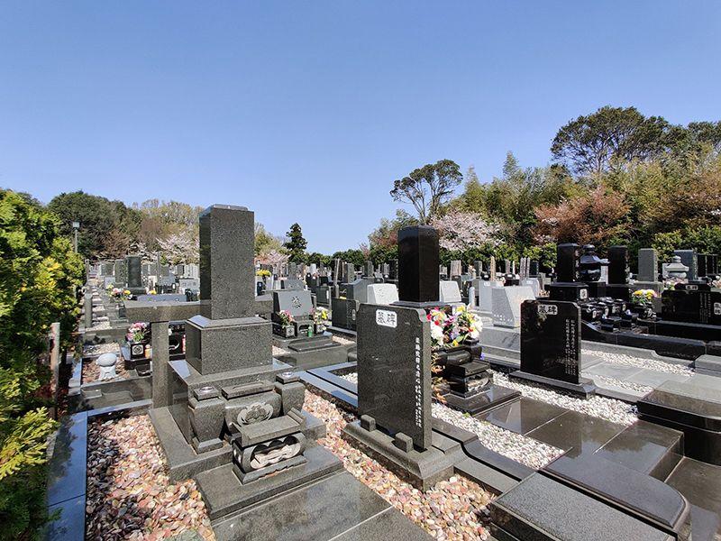 横浜聖地霊園 広々としたスペースの墓域