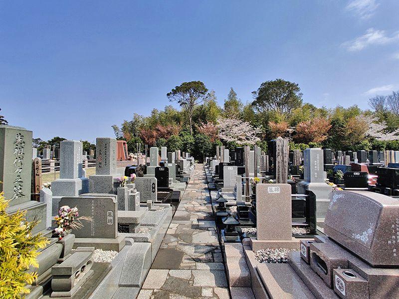 横浜聖地霊園 自然豊かな墓域