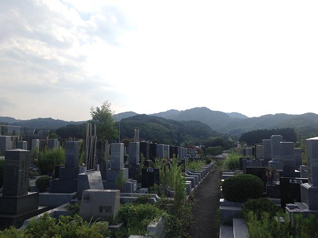 第二南多摩霊園 緑豊かで日当たりの良い霊園風景①