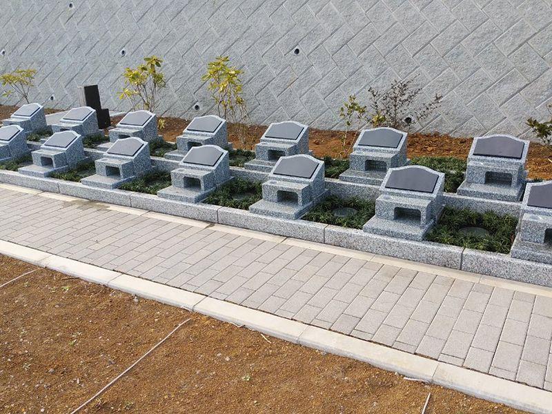 空と海 新・吉祥公園墓地 整備された参道