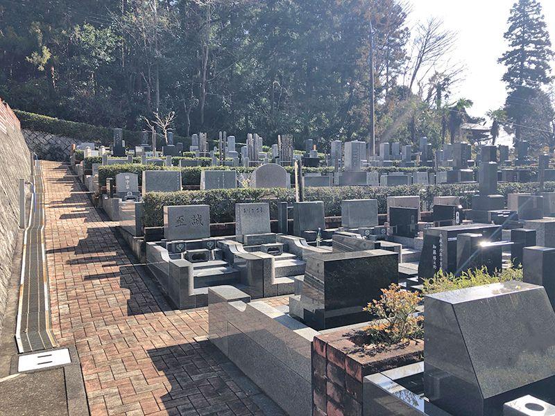 八王子の杜公園墓地 日当たりのよい墓域
