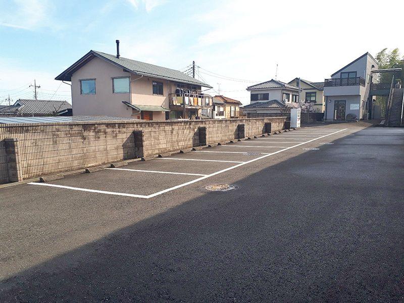 多摩の郷 平坦なバリアフリー駐車場