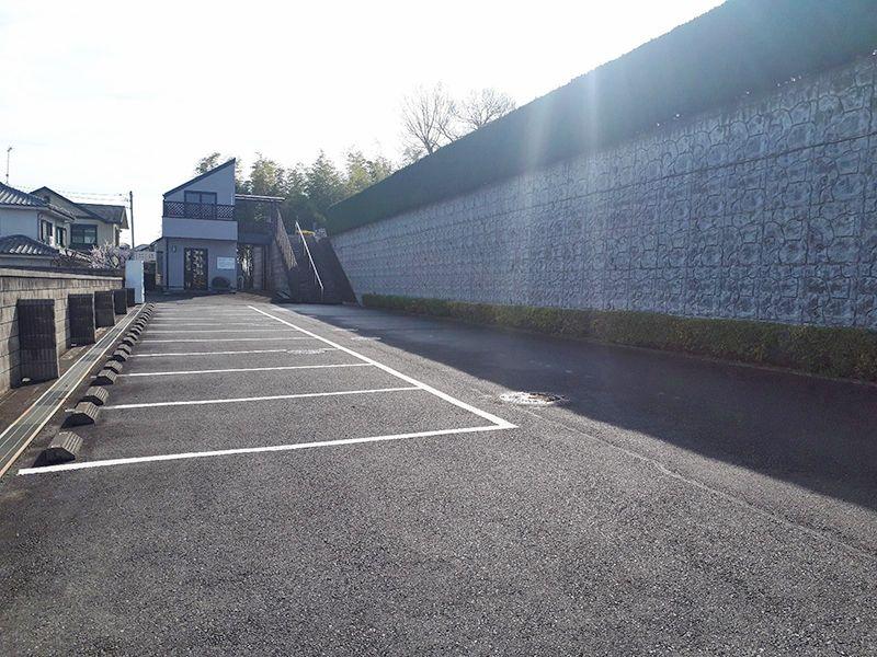 多摩の郷 広い駐車場