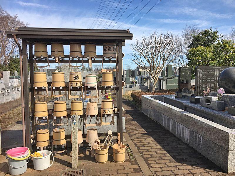 所沢欅聖地霊園 参拝用具置き場と水汲み場