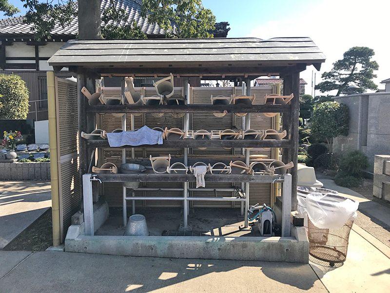 越谷樹木葬墓地 道具のそろった水汲み場