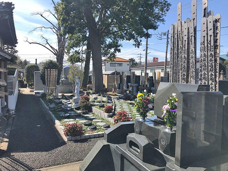 越谷樹木葬墓地 木々に囲まれた樹木葬墓