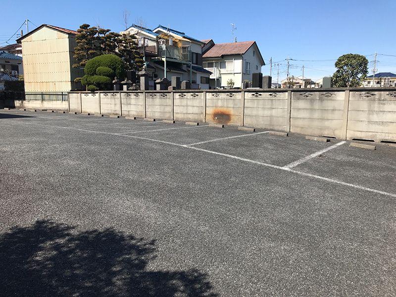 メモリアルガーデン新里 広い駐車場