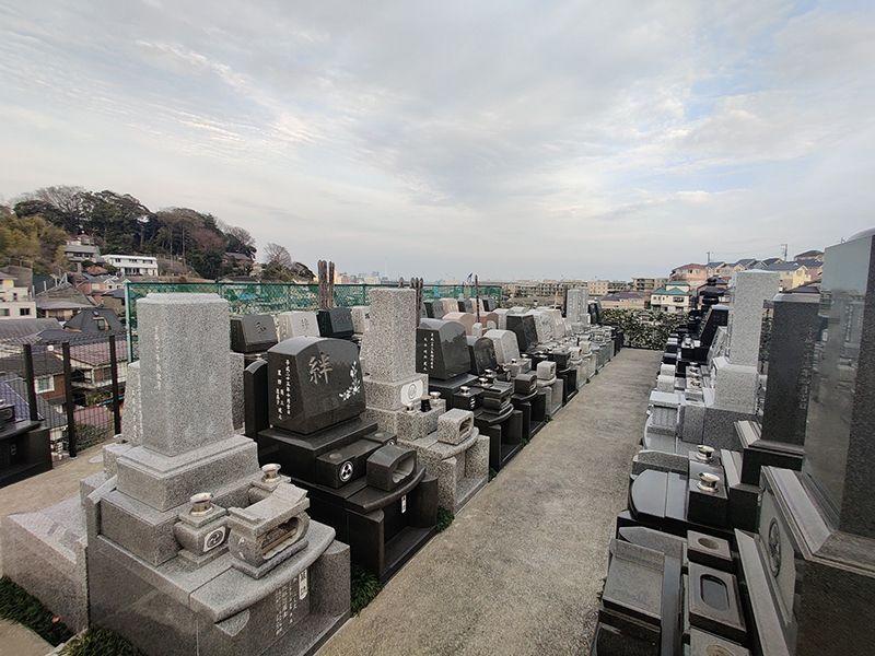 磯子の丘 高台にある墓域