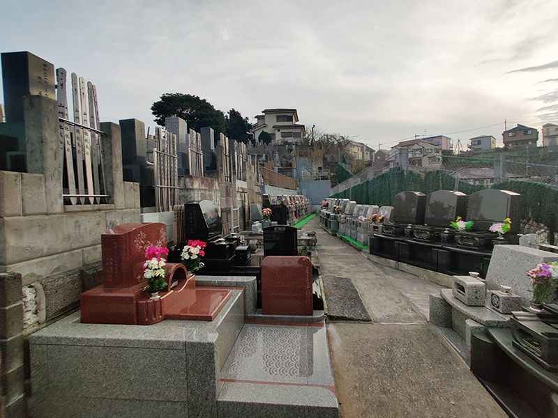 磯子の丘 日当たりの良い墓域