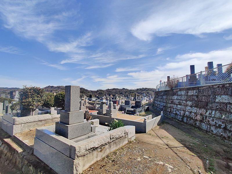材木座霊園 日当たりがよく眺めの良い墓域