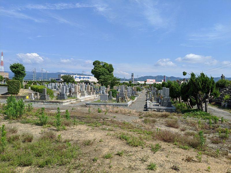泉佐野市公園墓地 広々とした墓域