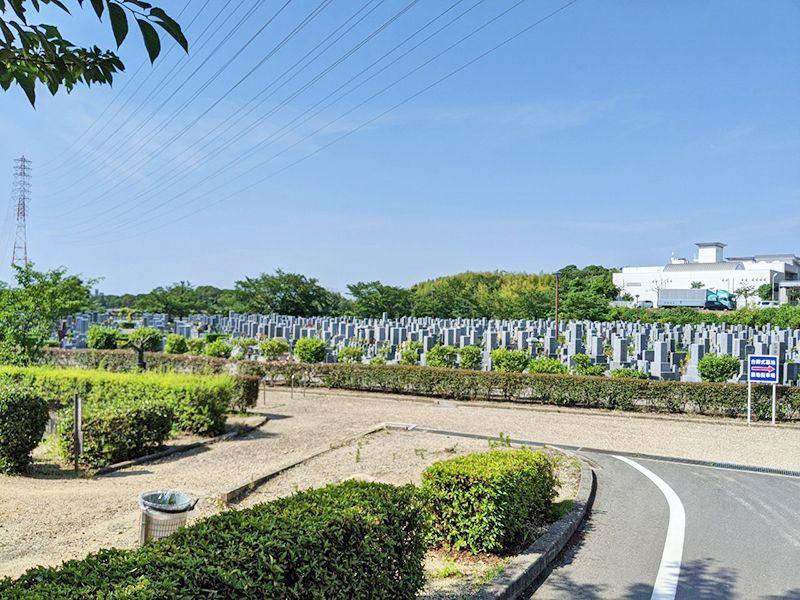 泉佐野市公園墓地 明るい雰囲気の園内