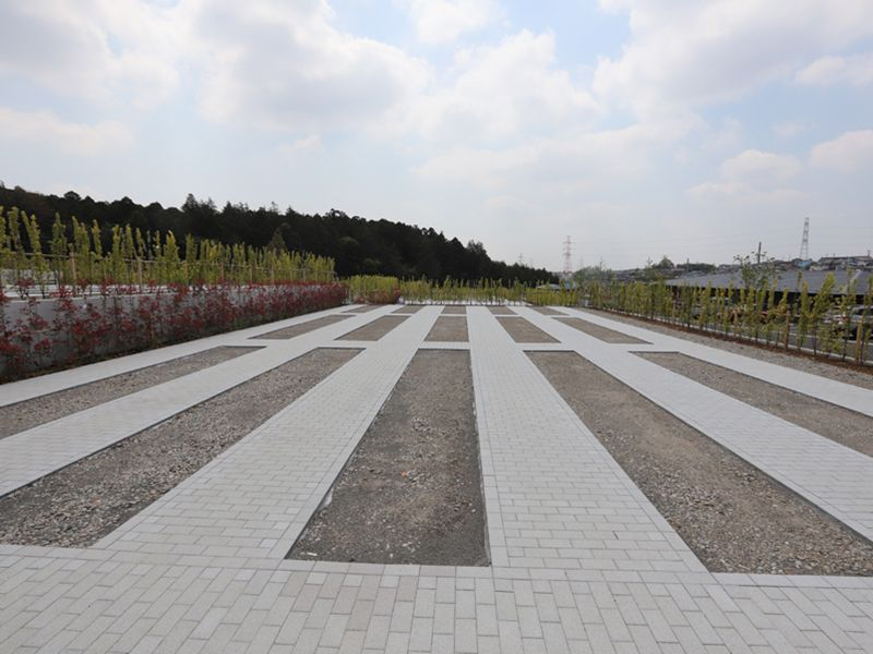 平坦に造られている公園墓地 川井聖苑の墓域