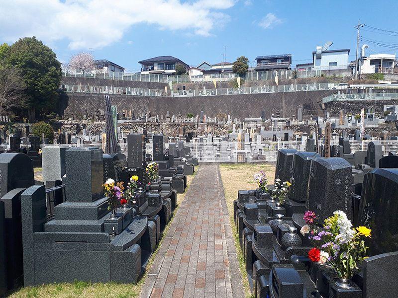 メモリアルパーククラウドあきる野 解放感溢れる墓域