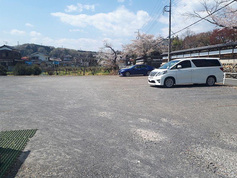 メモリアルパーククラウドあきる野 広い駐車場