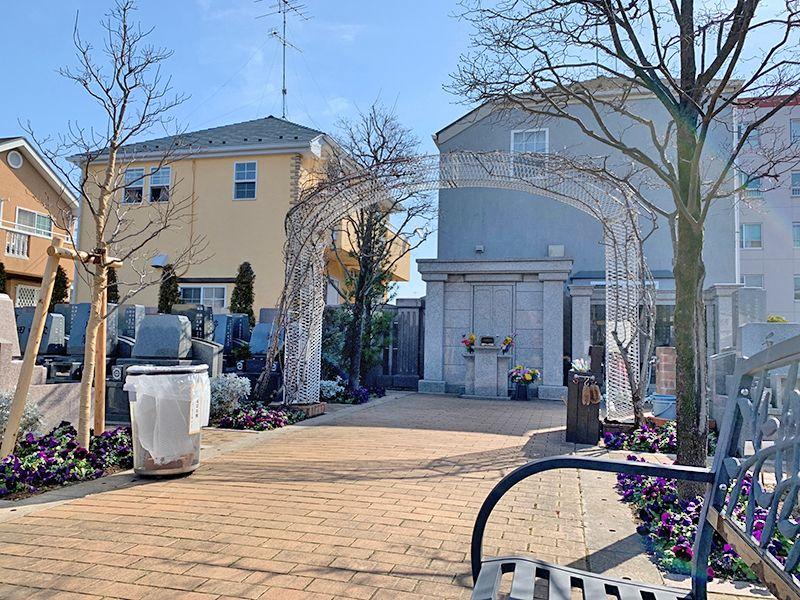 小平メモリアルガーデン ガーデニング型樹木葬「フラワージュ」 周囲は閑静な住宅街