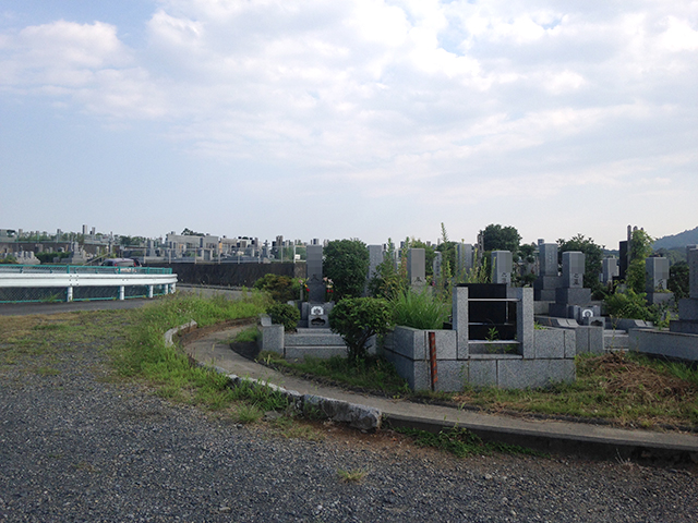 第二南多摩霊園 広々とした敷地のゆとりある霊園風景