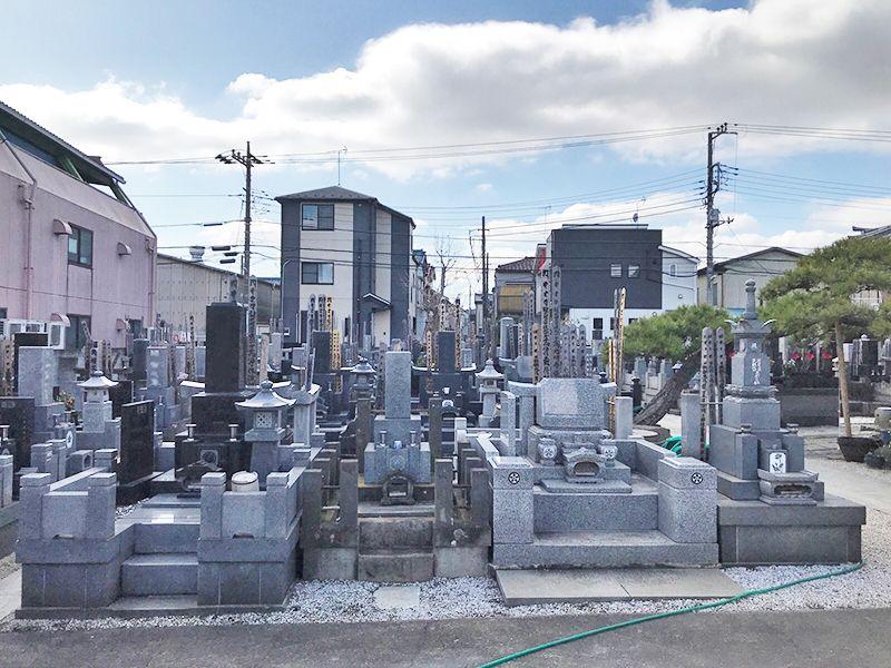 龍岩寺 御影石が美しい墓石