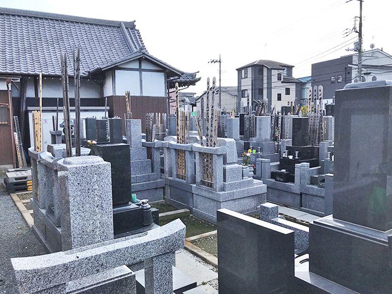龍岩寺 区画整備されている墓地
