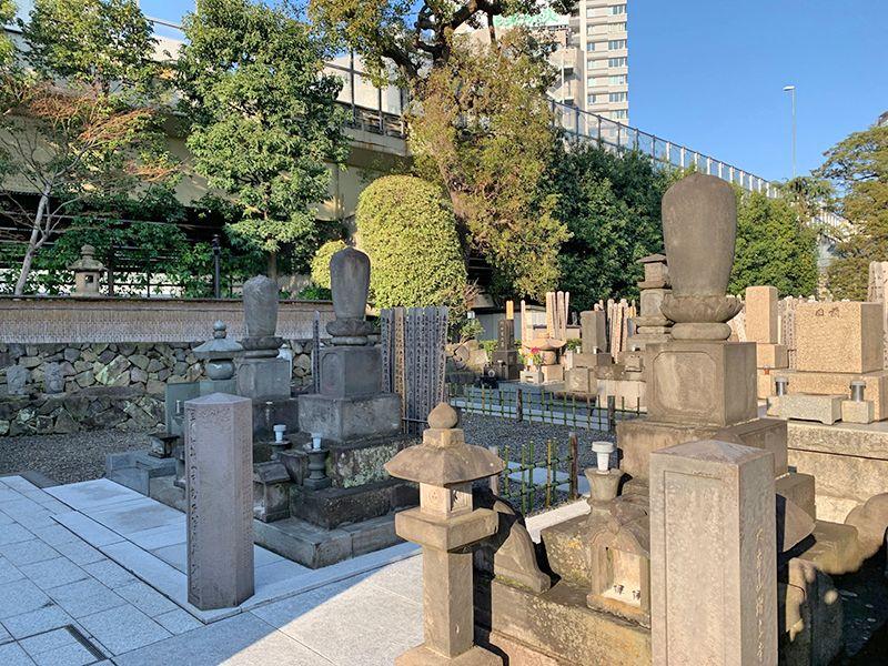 妙定院墓苑