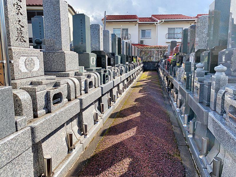 ひまわり墓苑 バリアフリー参道