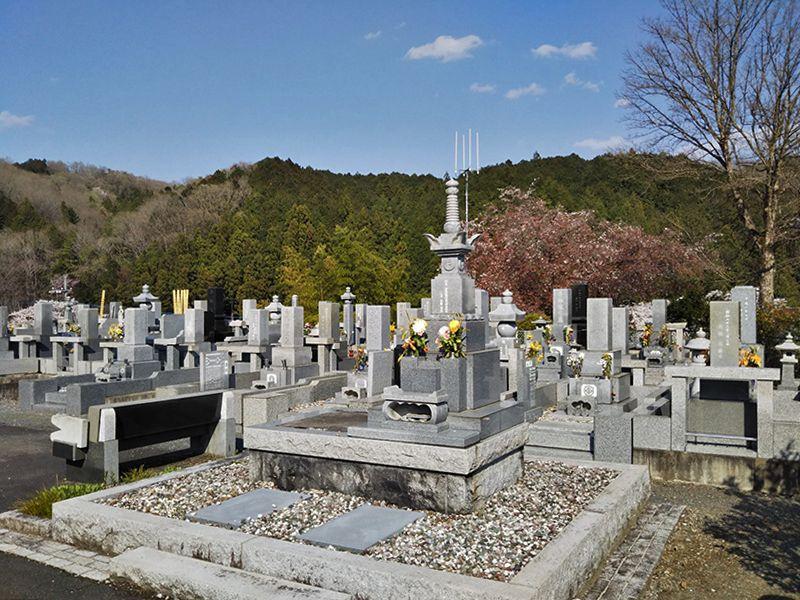 西武セミトリーパーク霊園 広い区画の墓地