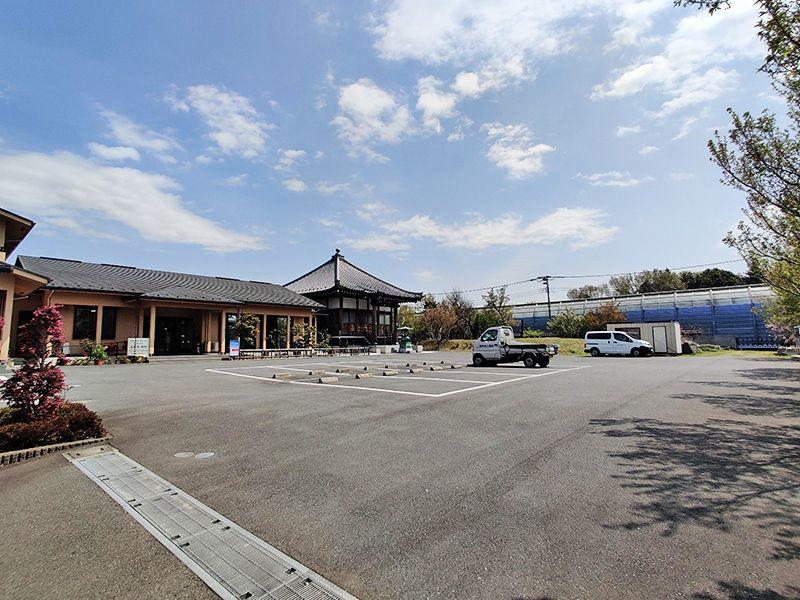 大林寺別院霊園 車で来場可能な専用駐車スペース