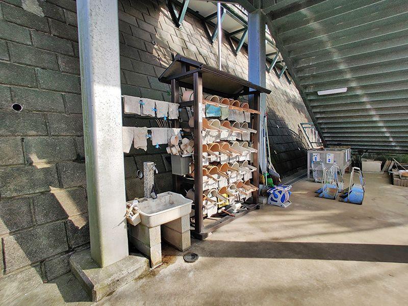 寺尾墓苑 水汲み場と参拝道具