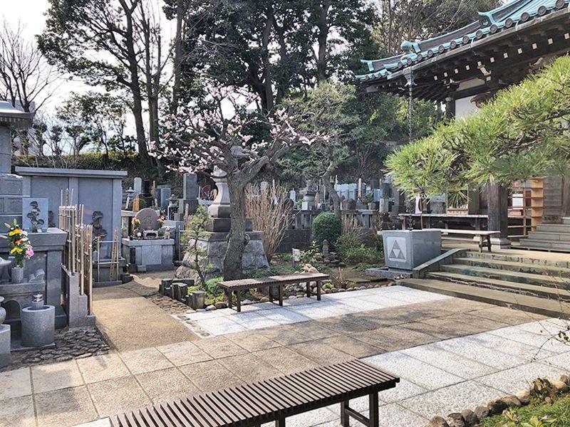 戸塚花観音墓苑 本堂前の墓域の雰囲気