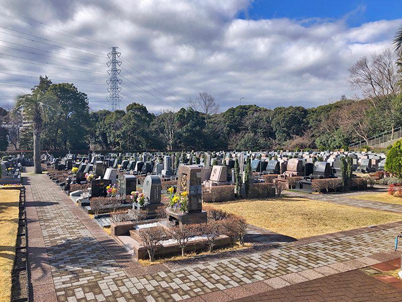 横浜二俣川霊園 緑に囲まれた墓域