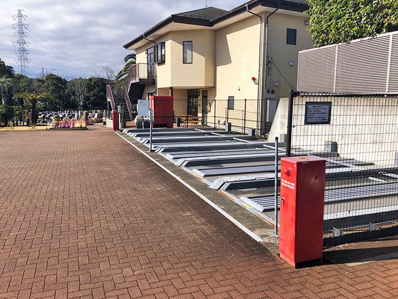 横浜二俣川霊園 整備された駐車場