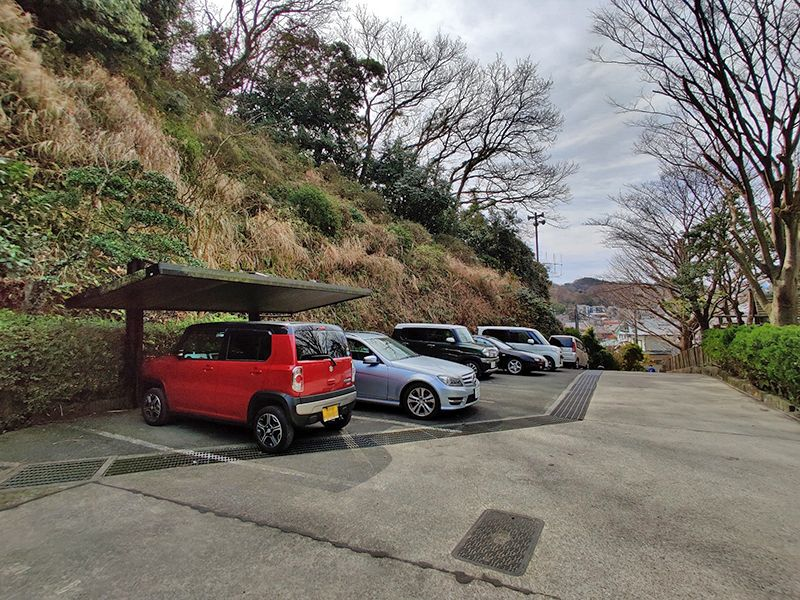 逗子霊苑 整備された駐車場