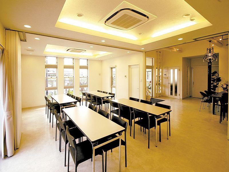 三郷中央聖地 会食室