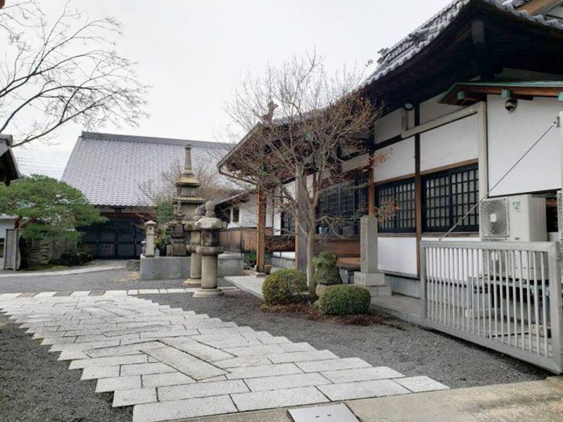 泉立寺 のうこつぼ