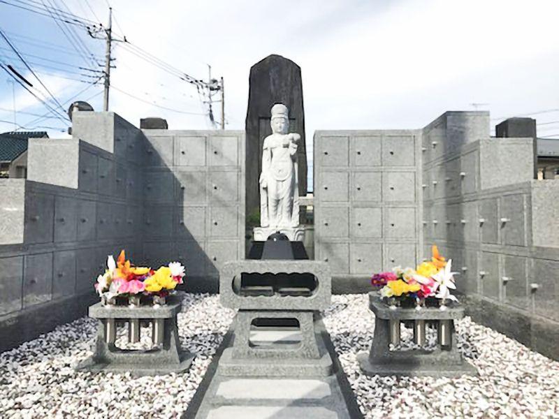 蓮光寺 のうこつぼ 仏様が見守る屋外納骨墓