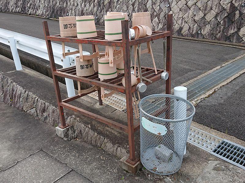 高槻霊園 園内の参拝道具とゴミ捨て場