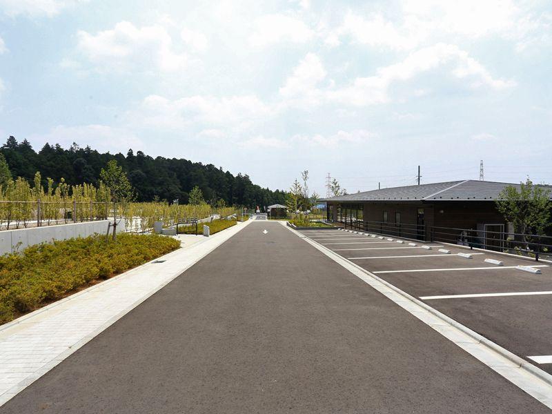 公園墓地 川井聖苑 舗装された駐車場