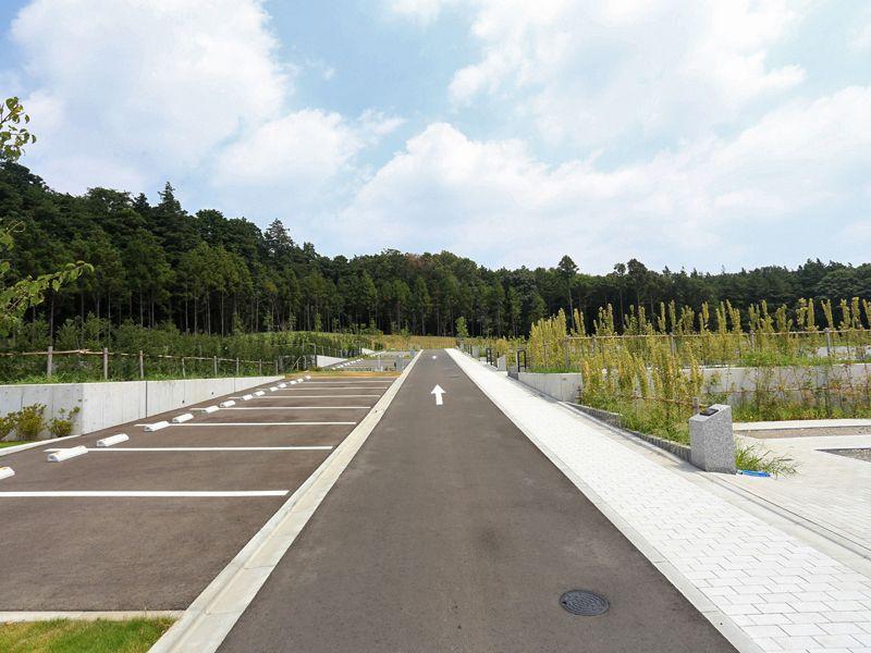 公園墓地 川井聖苑 駐車スペース