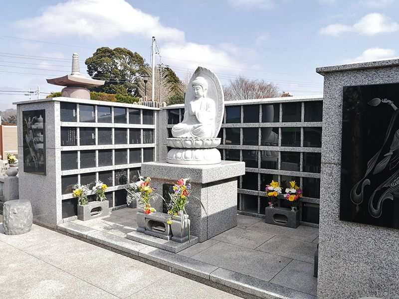 市川大野樹木葬墓地 日の当たる永代供養墓