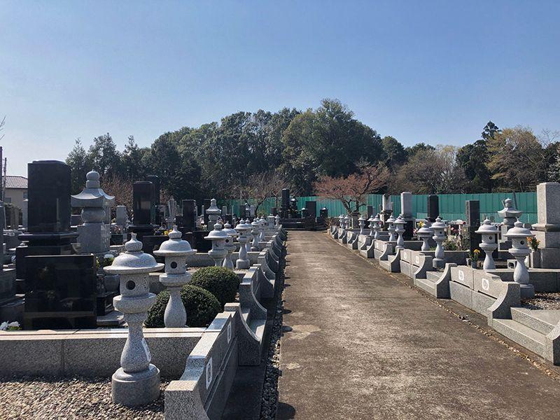 米本聖地霊園 和型墓石