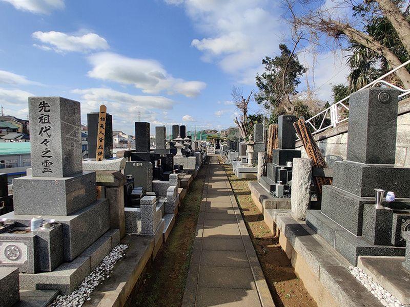 鶴見霊園 区画整備された墓域