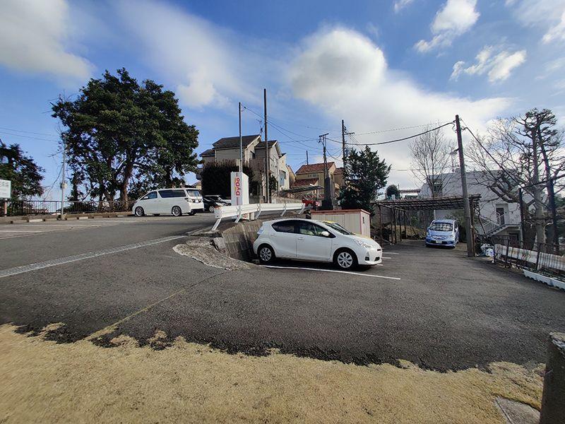 鶴見霊園 駐車スペース