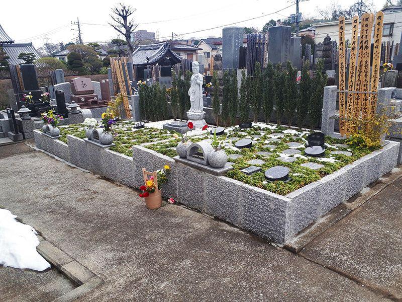 多摩稲城やすらぎ樹木葬墓地 フラットな参道