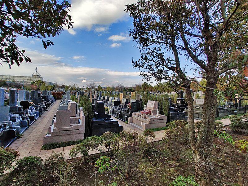 朝陽の杜墓苑「東の丘」 明るい雰囲気の墓域