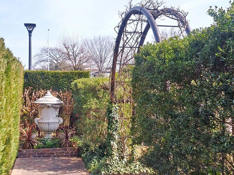 秋津ふれあいパーク ガーデン風の苑内