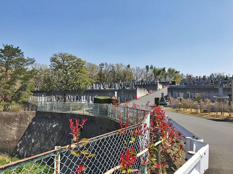 森林公園昭和浄苑 静かな雰囲気の墓域