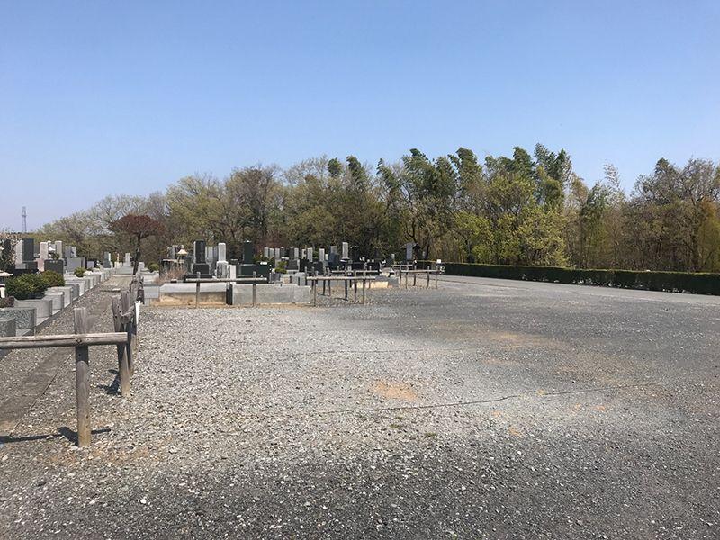 森林公園昭和浄苑 墓域のすぐそばの駐車場